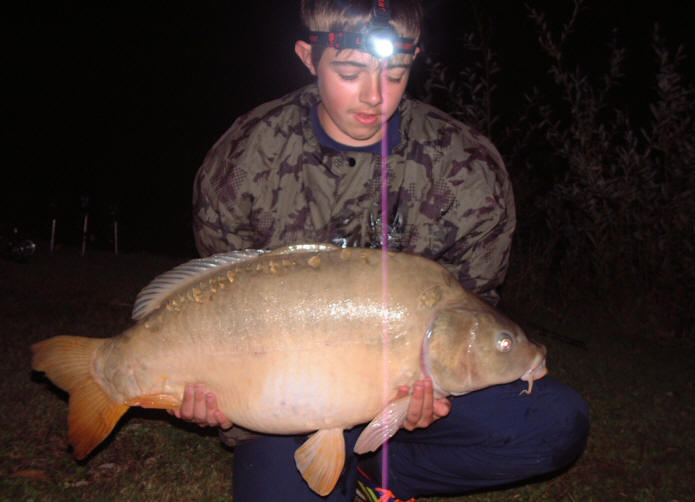 new-personal-best-carp-caught-at-smallwater-lakes-in-france