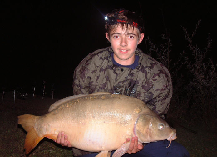 big-carp-for-george-caught-at-smallwater-lakes-france