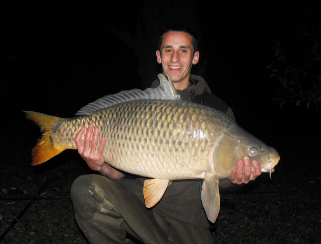 44lb-common_carp-caught-on-fishing-holiday-in-France