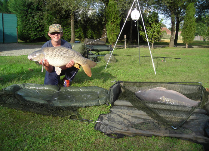 double-header-of-big-carp-caught-at-smallwater-lakes-in-france