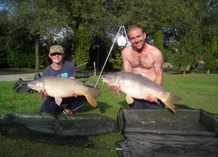 two-big-carp-26lb-and-36lb-caught-together-at-smallwater-lakes-in-france
