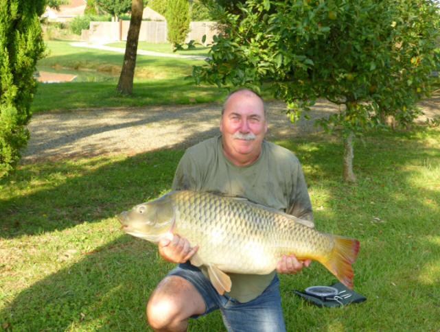 big-carp-for-dave-caught-at-smallwater-lakes