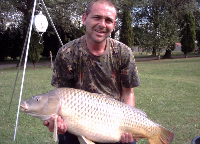 38lb-12oz-common-carp-from-smallwater-lakes-in-france