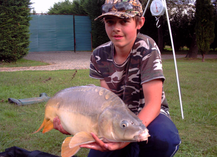mirror-carp-caught-from-smallwater-lakes-in-france-by-george