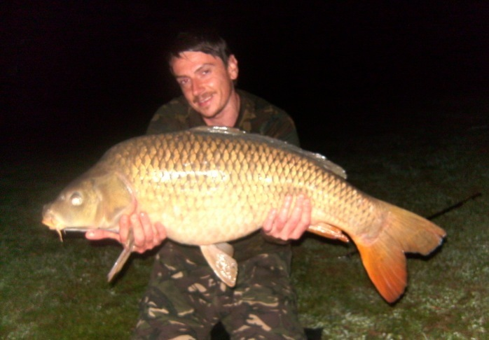 30-lb-common-carp-from-smallwater-lake-france